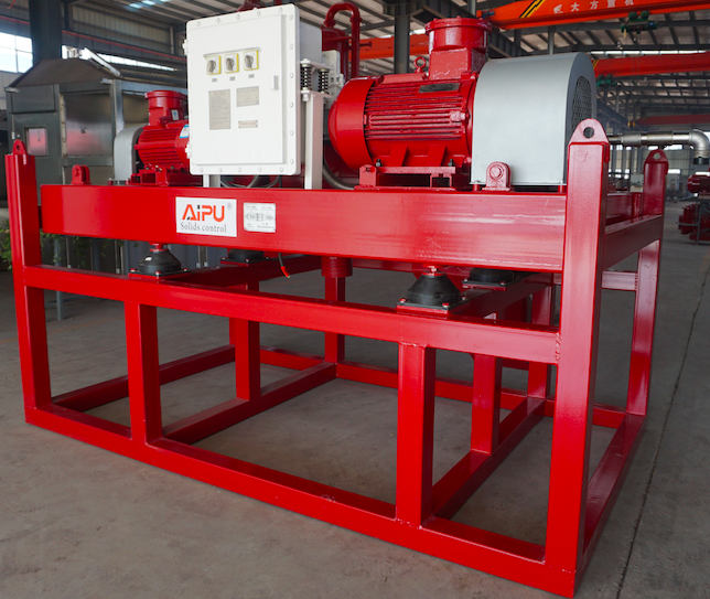Decanter centrifuge in well drilling mud system