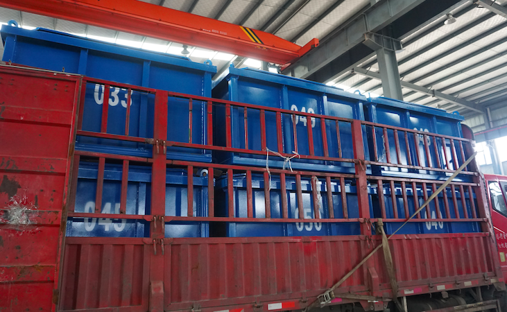 Cuttings boxes for offshore drilling
