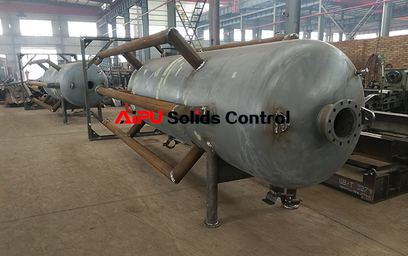 Mud gas separator for oilfield mud system