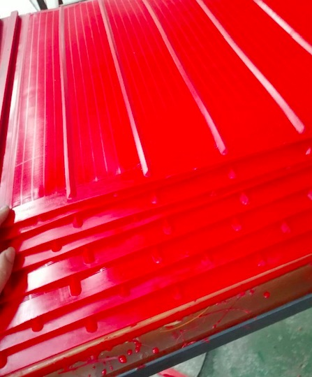 Urethane screen panels delivery