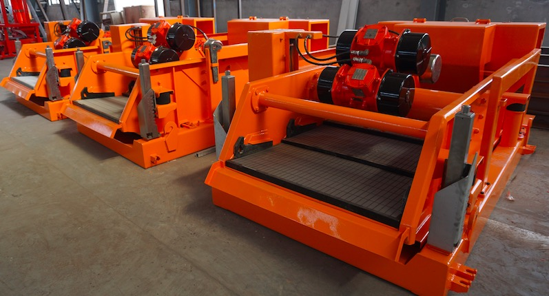 Dual motion shale shaker driven by 3 motors delivered