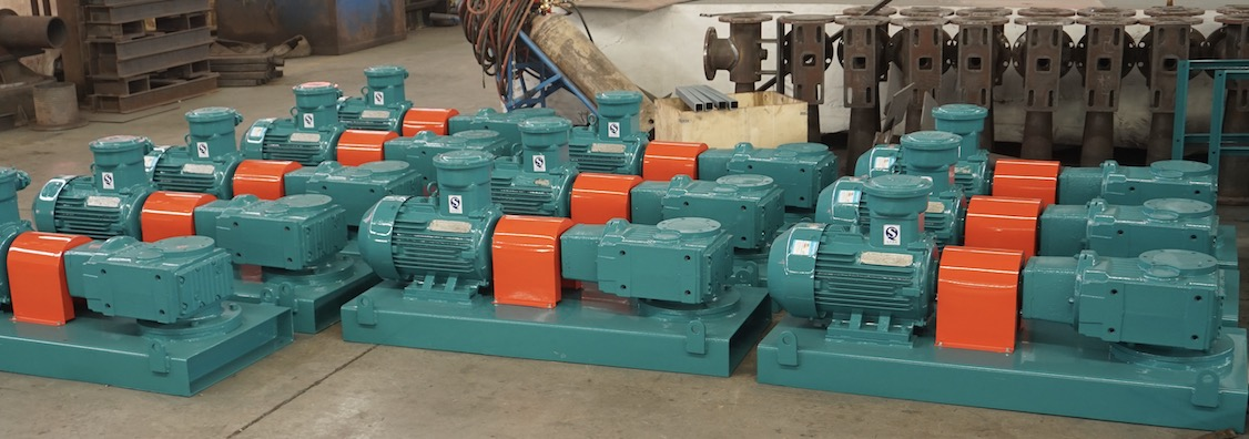 Drilling mud agitators for mud plant